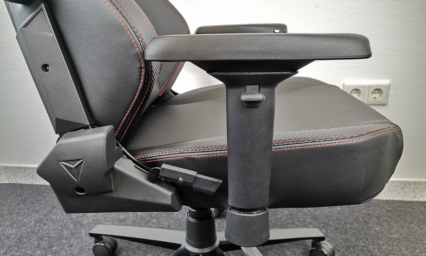 4D armrest with softtouch