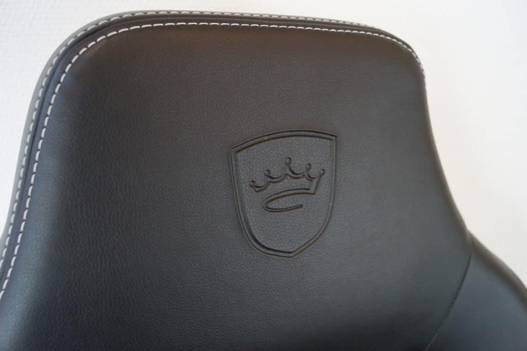 noblechairs Hero in test headrest memory foam